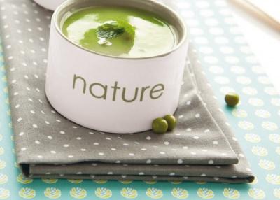 Osvěžující jarní polévka z natí. Zdravá a chutná