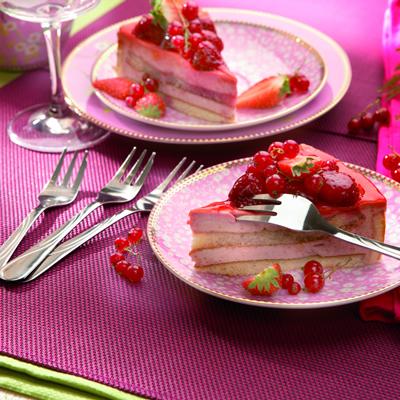 Jahodový dort se hodí k narozeninám i na oslavy