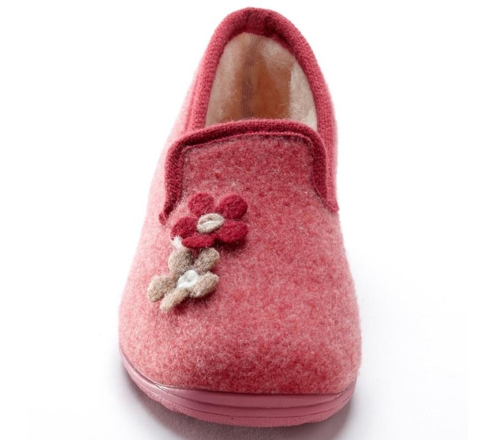 Češi se do pohodlnější obuvi přezouvají doma i v zaměstnání