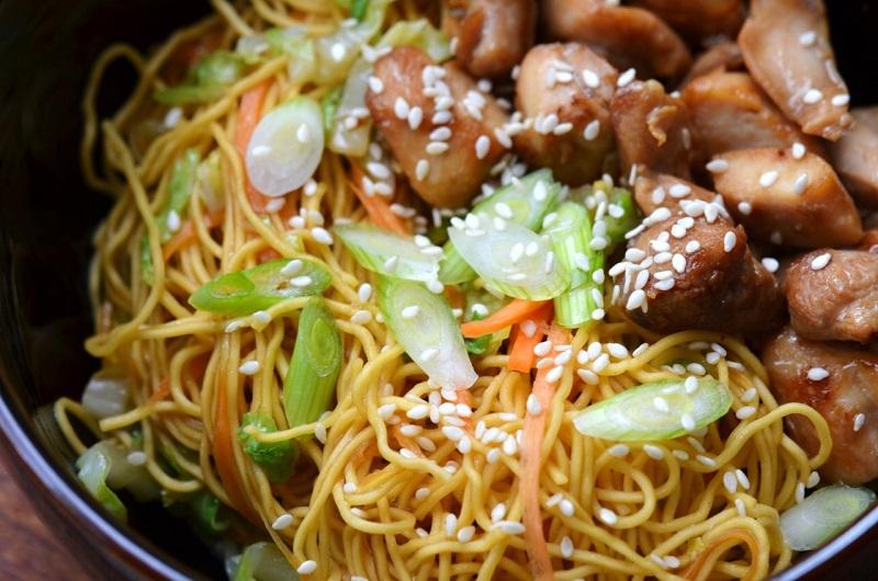 Inspirujte se asijskou kuchyní! Nudle s masem a koriandrem vám zachutnají