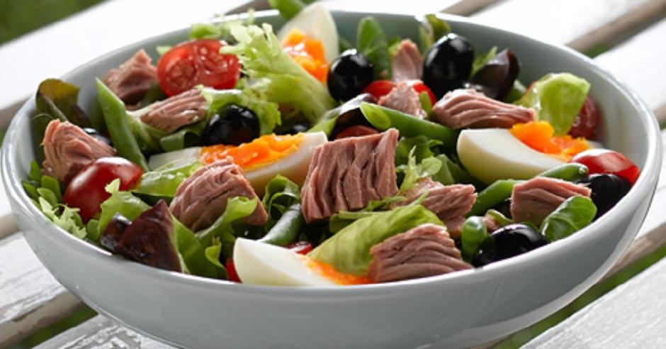 Lehký a plný chuti. Takový je salát Nicoise